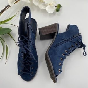 Breckelle's Lace Up Ankle Booties